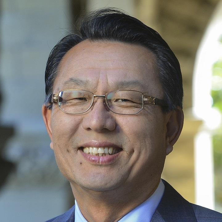 Dr. Gi-Wook Shin